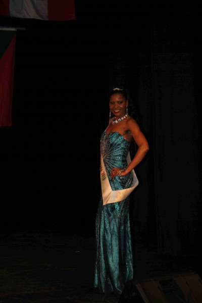 MissCommonwealth International 2010 089